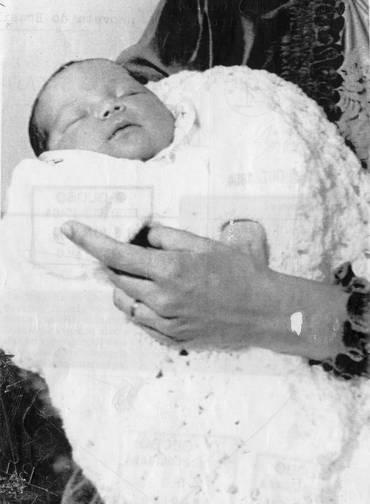 O primeiro bebê de proveta no Brasil